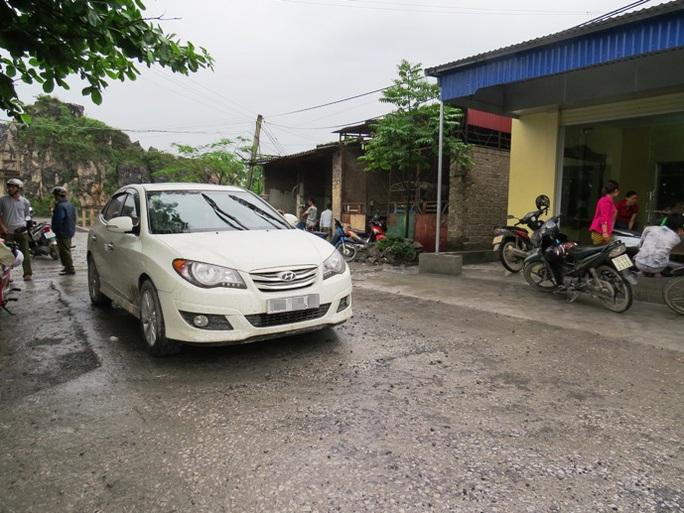 Chiếc ô tô mà nhóm của Lương Thanh Hải vứt lại hiện trường vụ giang hồ đất Cảng hỗn chiến