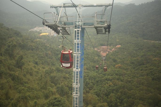 Cáp treo Yên Tử là một trong những hệ thông cáp treo đẹp nhất VN