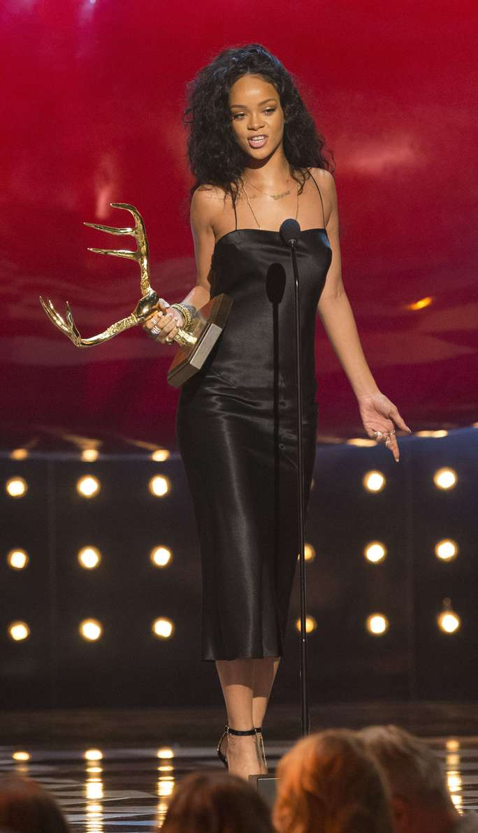 Rihanna- Người phụ nữ được khao khát nhất Hollywood.