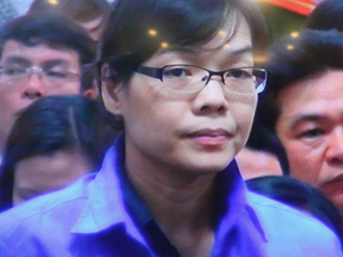 Siêu lừa Huỳnh Thị Huyền Như xuất hiện tại tòa