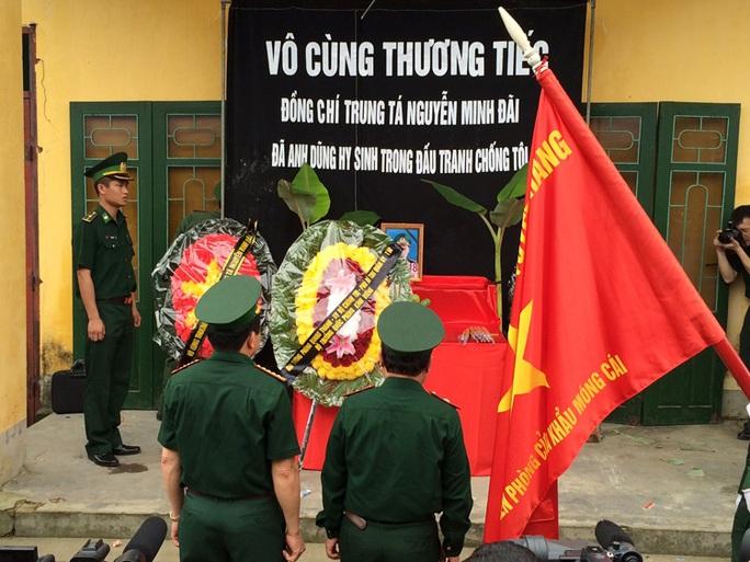 Thăng hàm trước niên hạn tại lễ truy điệu 2 sĩ quan Biên phòng hy sinh trong vụ nổ súng tại cửa khẩu Bắc Phong Sinh (Quảng Ninh)