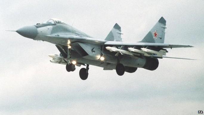 Chiến đấu cơ Nga bị Mỹ và Canada chặn khi tiến vào vùng nhận dạng phòng không. Ảnh: PA