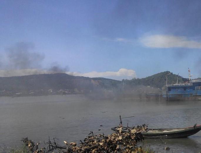 Khu vực cửa biển xảy ra vụ cháy tàu cá. Ảnh: Nguyễn Phê.