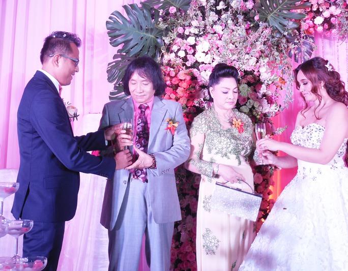NSƯT Minh Vương phấn khởi ngày gả con gái
