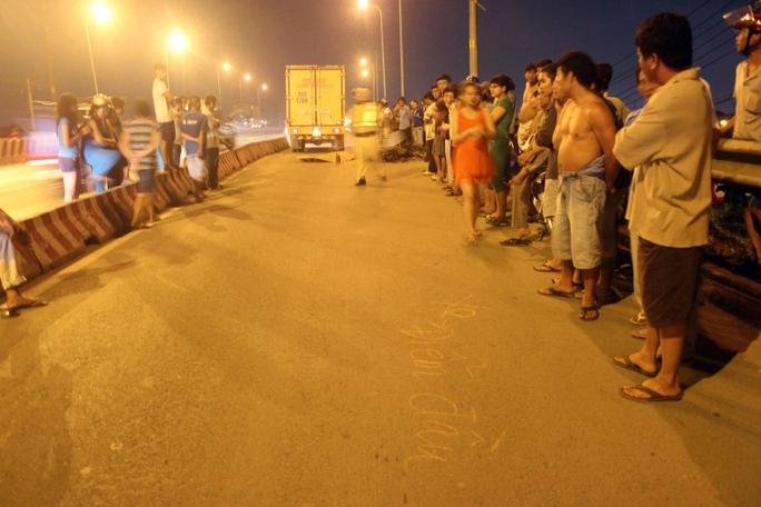 Thanh niên bị xe tải cán chết trên làn đường xe 2 bánh