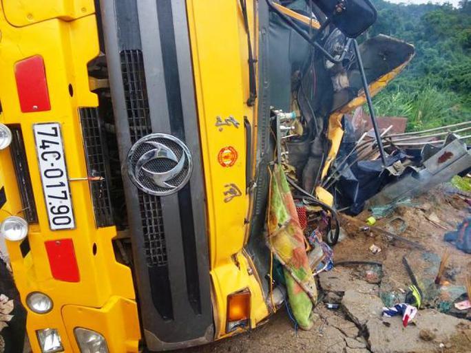 Xe tải bị hư hỏng nặng