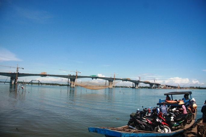 Cầu Cửa Đại bắc qua sông Thu Bồn nối TP Hội An và các huyện Duy Xuyên, Thăng Bình của tỉnh Quảng Nam