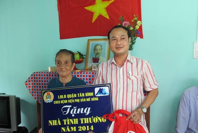 LĐLĐ quận Tân Bình, TP HCM trao căn nhà tình thương cho gia đình bà Nguyễn Thị Liên