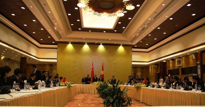 Phó Thủ tướng, Bộ trưởng Ngoại giao Phạm Bình Minh và Ủy viên Quốc vụ Quốc vụ viện Trung Quốc Dương Khiết Trì đồng chủ trì Phiên họp lần thứ 7 Ủy ban Chỉ đạo Hợp tác song phương Việt Nam - Trung Quốc