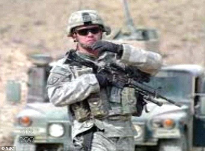 Người lính trong tấm ảnh là một người khác