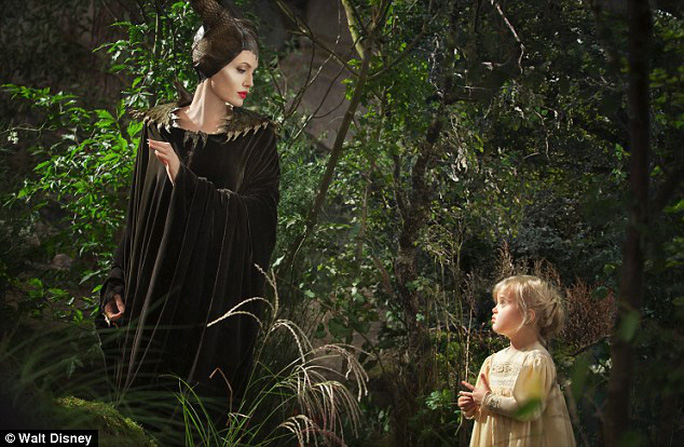 Angelina và con gái Vienne