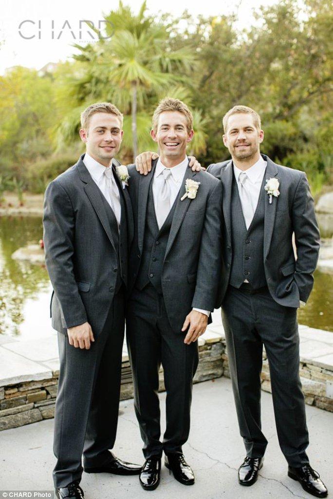 (từ trái sang) Ba anh em nhà Walker: Cody, Caleb và Paul