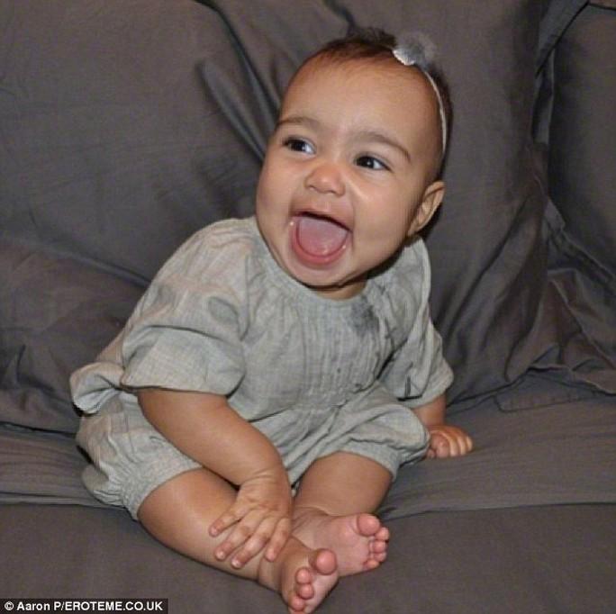 Con gái của Kanye và Kim