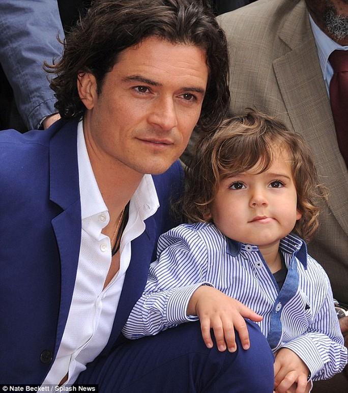 Orlando Bloom và con trai Flynn