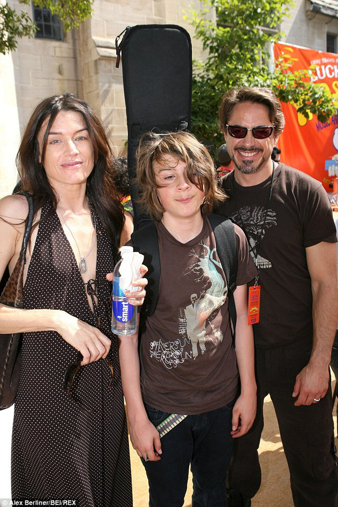 Indio và cha mẹ khi còn trẻ