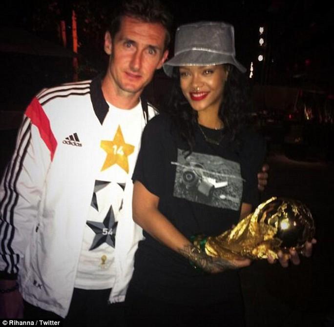Rihanna và King Klose