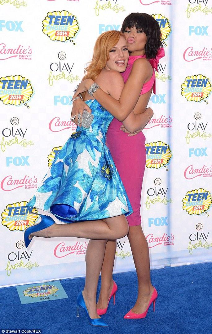 Bella và Zendaya Coleman