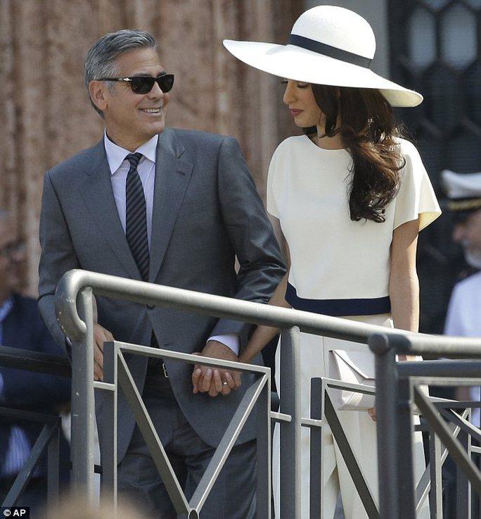 Ngắm ảnh cưới của George Clooney và Amal Alamuddin