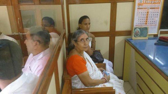 Bà Jashodaben đã nộp đơn về quyền được biết thông tin (RTI) tại văn phòng cảnh sát quận Mehsana. Ảnh: Times Of India