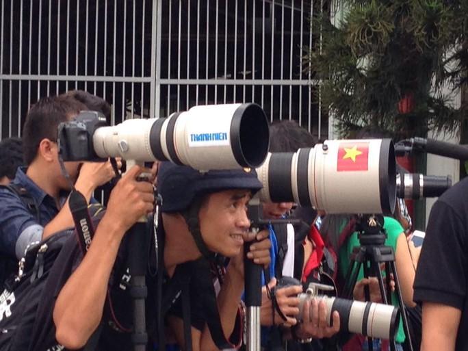 Giới báo chí TP HCM chờ đợi và thất vọng khi không thể tiếp cận Beckham