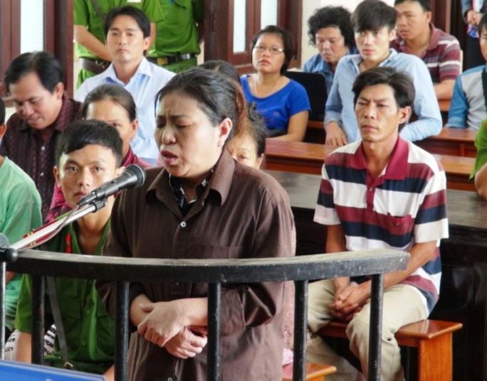 Bị cáo Huệ tại TAND tỉnh Bình Phước ngày 21-5.