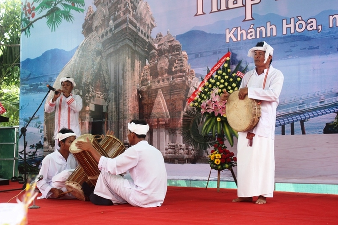 Biểu diễn nhạc cụ truyền thống