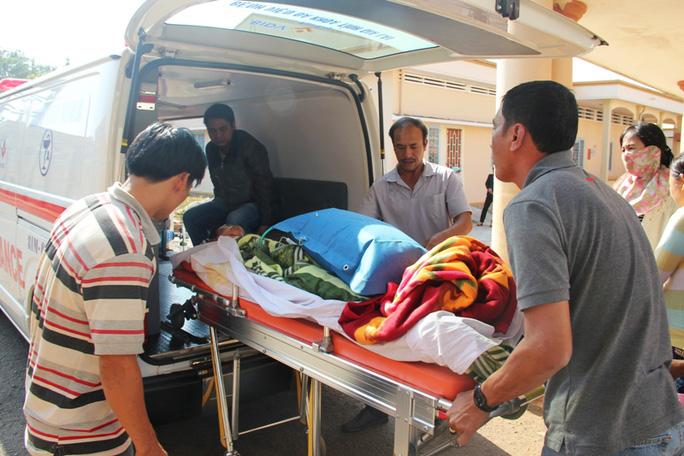 Anh Tiệp được chuyển đến Bệnh viện Đa khoa TP Quy Nhơn để tiếp tục điều trị