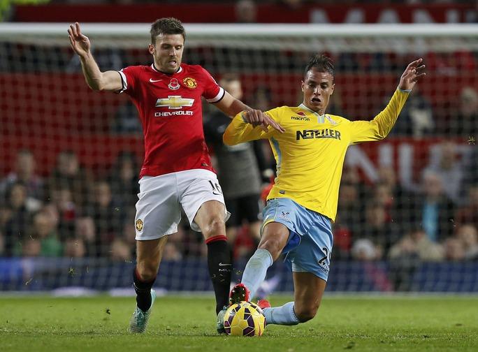 Carrick trở lại ấn tượng trong trận thắng Crystal Palace