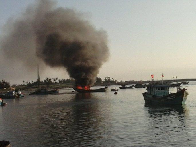 Thời gian gần đây có nhiều tàu cá của ngư dân Lý Sơn bị cháy