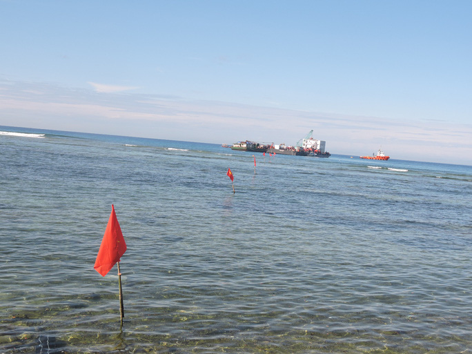 Thi công tuyến cáp ngầm tại đầu đảo Lý Sơn