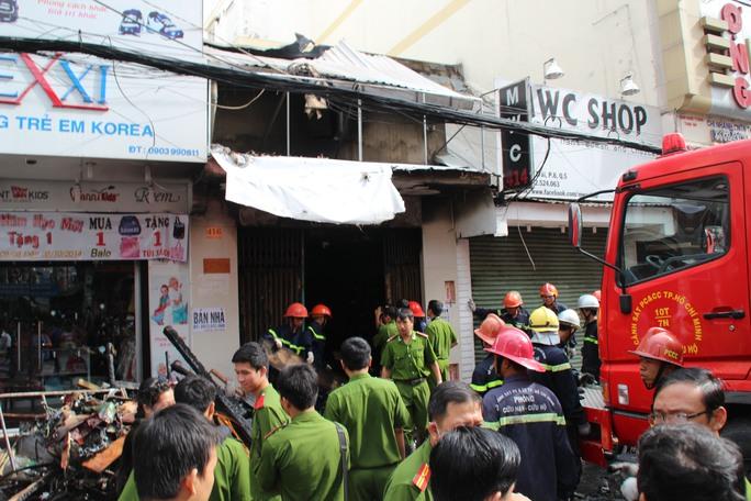 Vụ cháy nhà 416 Nguyễn Trãi, phường 8, quận 5 - TP HCM, vào sáng sớm 16-9, khiến 7 người chết ngạt.