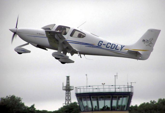 ChiếcCirrus SR22 tương tự như máy bay gặp nạn. Ảnh:Wikipedia