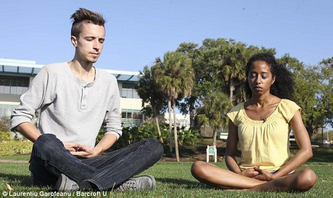 Amanda Gryce  phải uống thuốc để làm tê khu vực nhạy cảm và  tập thể dục để kiểm soát tâm trí
