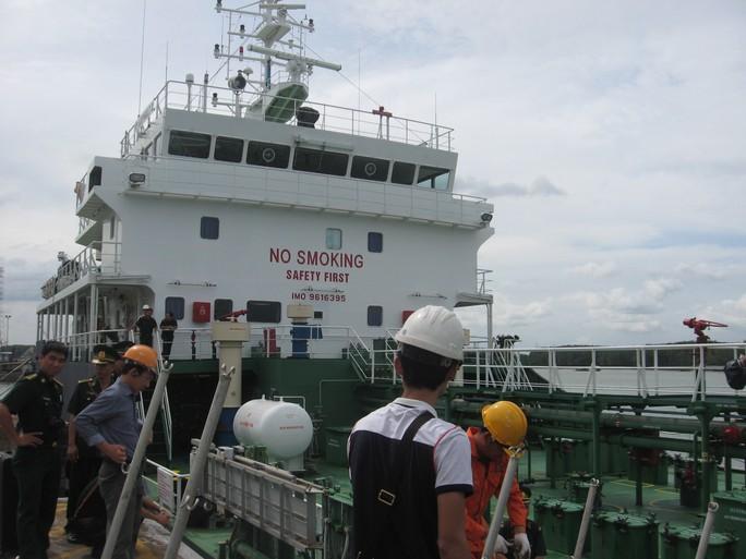Tàu bị cướp biển tấn công đã cập cảng Gò Dầu