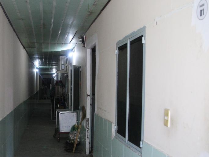 Dãy phòng trọ nơi chị Bạc tới ở ghép khoảng 1 tháng trước và bị chồng giết vào tối 27-5.