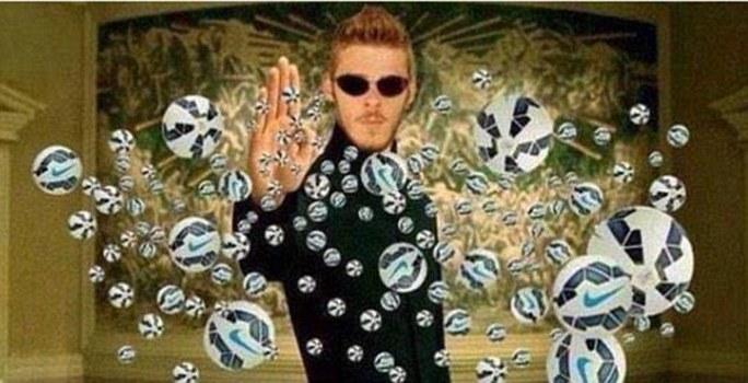 De Gea được ví như Neo trong phim Matrix, lạnh lùng cản mọi đường bóng của tiền đạo Liverpool