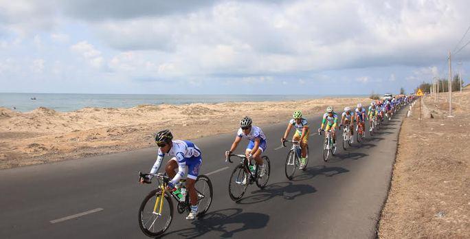 Cuộc đua xe đạp Cúp Truyền hình 2014: Rối cho ban tổ chức