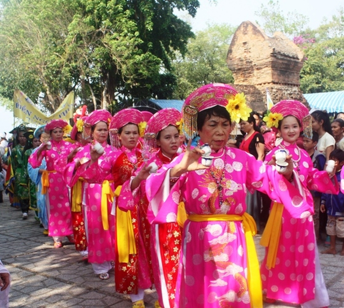 Khai mạc Lễ hội Tháp Bà Ponagar