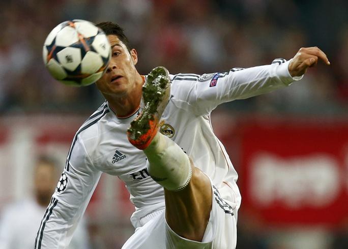 Ronaldo dang mạo hiểm vì Chiếc giày vàng châu Âu