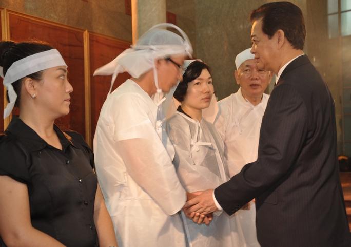 Thủ tướng Nguyễn Tấn Dũng chia buồn cùng gia đình.