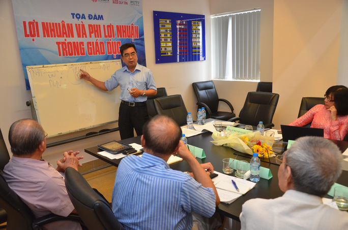 PGS-TS Nguyễn Ngọc Điện nói về mối liên quan giữa nhà đầu tư và ban giám hiệu ở nước ngoài