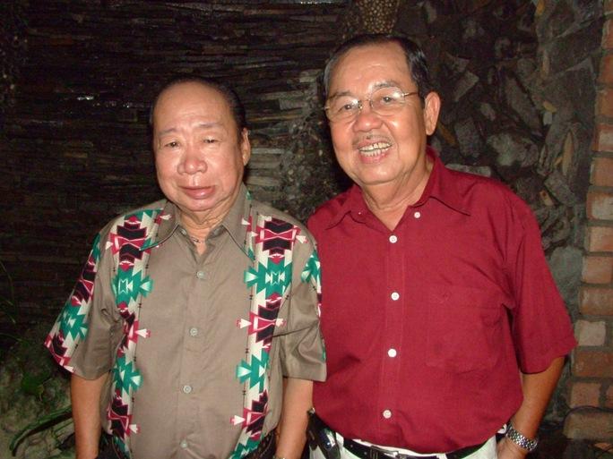 Thanh Hoài và Tùng Lâm trong một buổi họp mặt nghệ sĩ tại Nhà hát kịch TP HCM
