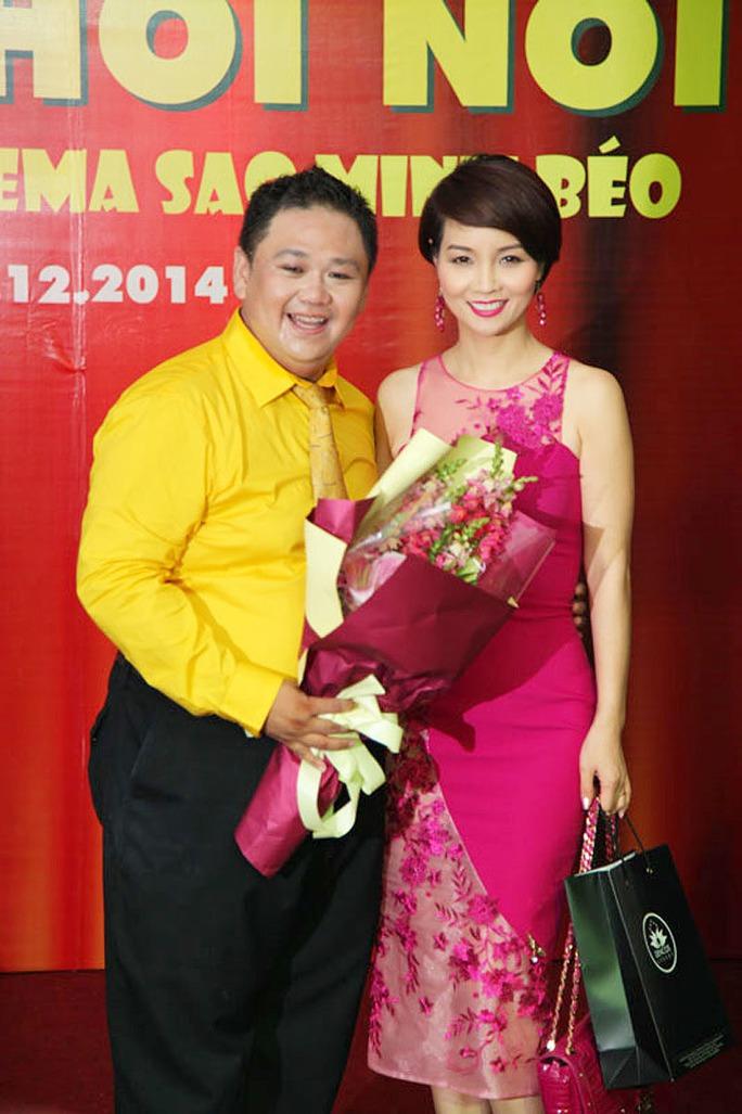 Minh Béo đang tham gia chương trình Sao Việt toàn năng do công ty Mai Thu Huyền sản xuất nên chị cũng đến chúc mừng anh