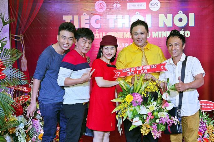Kiều Linh- Vân Sơn đến chúc mừng Minh Béo