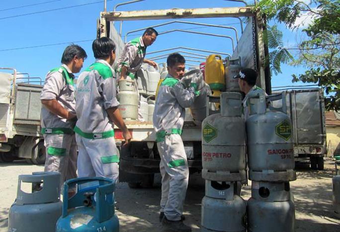 Giá gas giảm 40.000 đồng/bình 12 kg từ 1-11