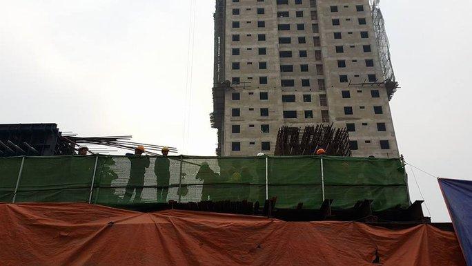Khu vực giàn giáo bị đổ sập - Ảnh: Nguyễn Hưởng