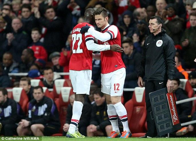Giroud chỉ được vào sân thay người ở phút 88 trong trận thắng Liverpool 2-1 ở Cúp FA