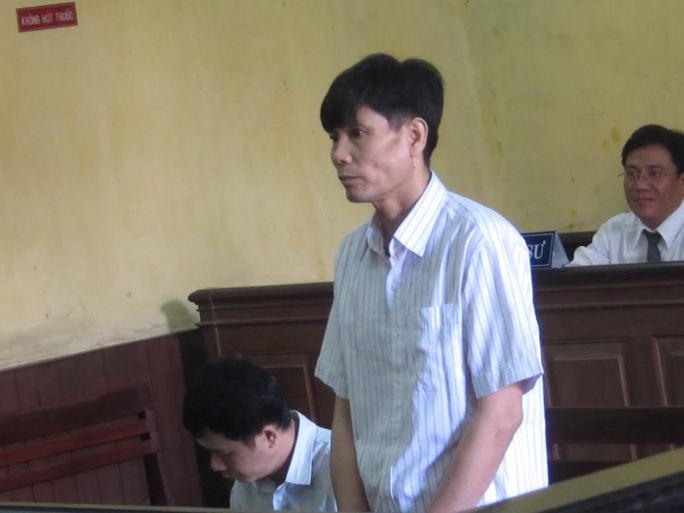 Bị cáo Hùng hãm hiếp con riêng của vợ trong một thời gian dài