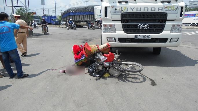 Hiện trường vụ tai nạn khiến hai mẹ con trọng thương