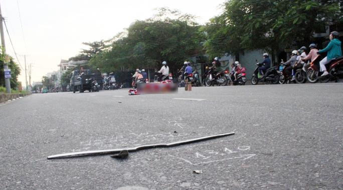 Hiện trường nơi xảy ra vụ taxi tông chết người rồi bỏ chạy